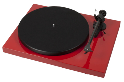 Pro-Ject Debut Carbon DC Phono USB med OM10, röd