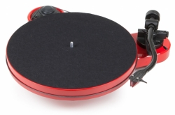 Pro-Ject RPM-1 Carbon pianoröd skivspelare med 2M Red