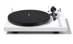 Pro-Ject Debut Carbon DC, pianovit skivspelare med 2M Red
